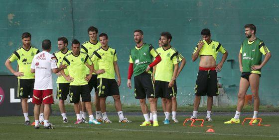 Los jugadores de la selección, en el entrenamiento de ayer.