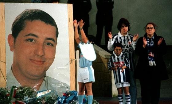 Homenaje en San Sebastián a Aitor Zabaleta, asesinado en 1998 antes de un Atlético-Real Sociedad en las inmediaciones del Vicente Calderón