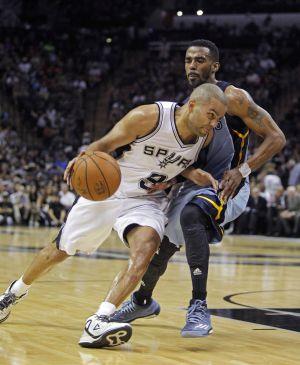 Los Spurs disparan las dudas en unos Grizzlies sin garra