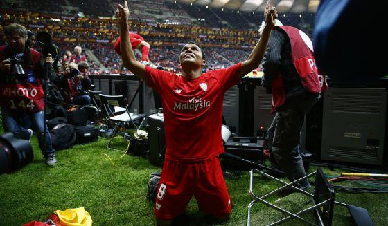 El Sevilla vence al Dnipro y se proclama campeón de la Liga Europa