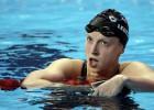 La primera dama de la natación mundial, va como un tiro