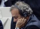 Platini asegura que sigue siendo candidato