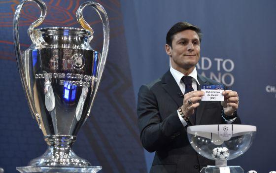 Javier Zanetti, en el sorteo de la Champions.