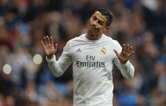 Cristiano Ronaldo se niega a celebrar su gol, el 1-0 conseguido en el segundo penalti que pateó contra la Real Sociedad.