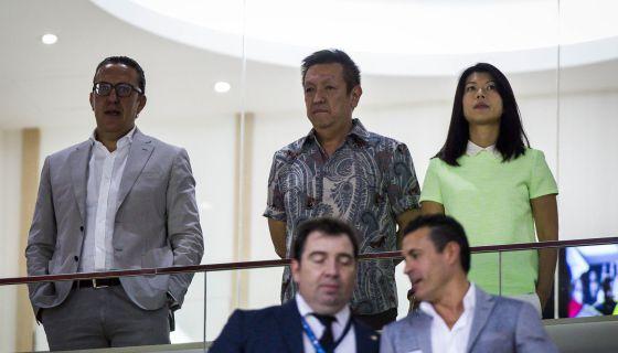 Peter Lim en un partido del Valencia en Mestalla.
