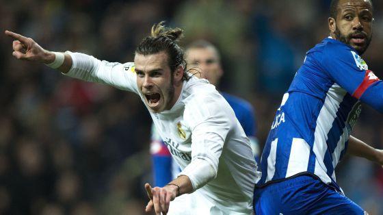 Bale celebra uno de sus goles al Deportivo.