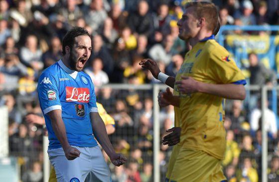 Higuaín celebra el gol del 0-2 al Frosinone.
