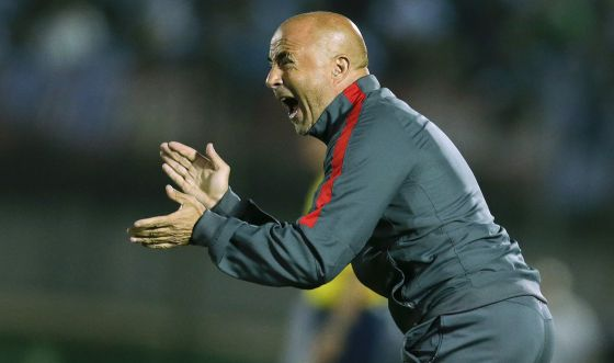 Jorge Sampaoli en un partido contra Uruguay en noviembre