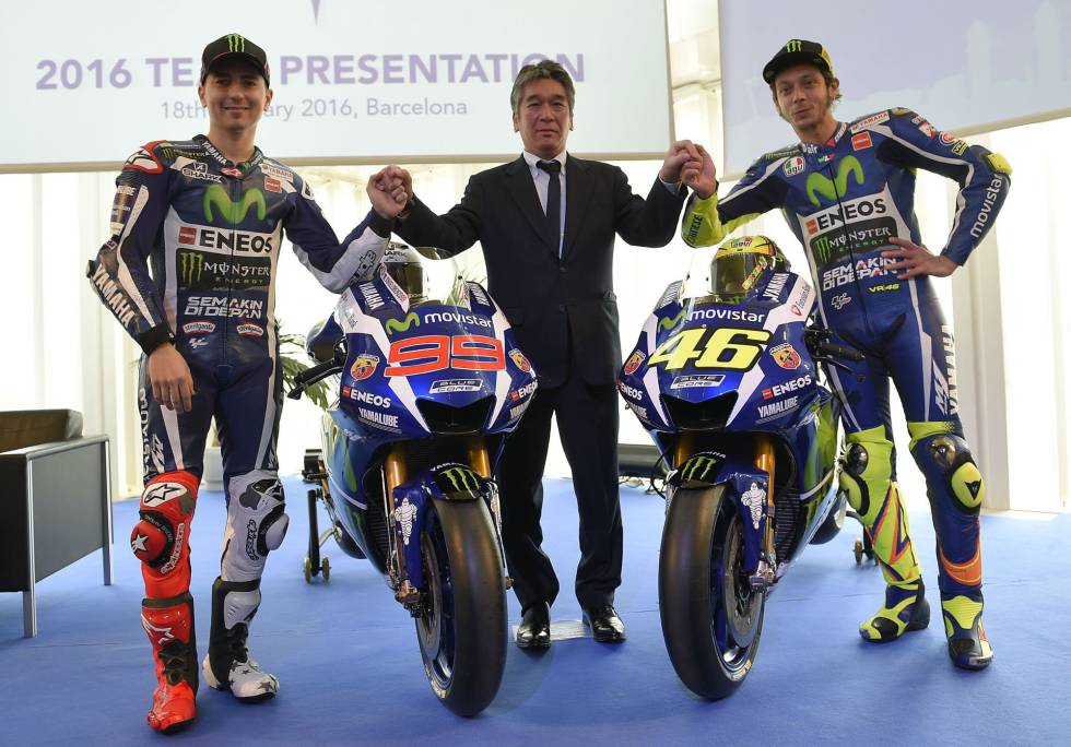 Jorge Lorenzo, Kouichi Tsuji y Valentino Rossi, este lunes en Barcelona.
