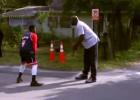 La historia viral un policía, unos jóvenes negros y Shaquille O'Neal