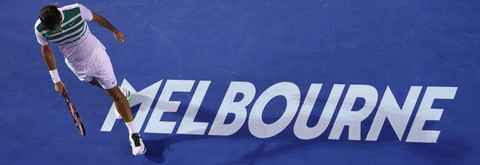 Federer, durante el partido contra Djokovic.