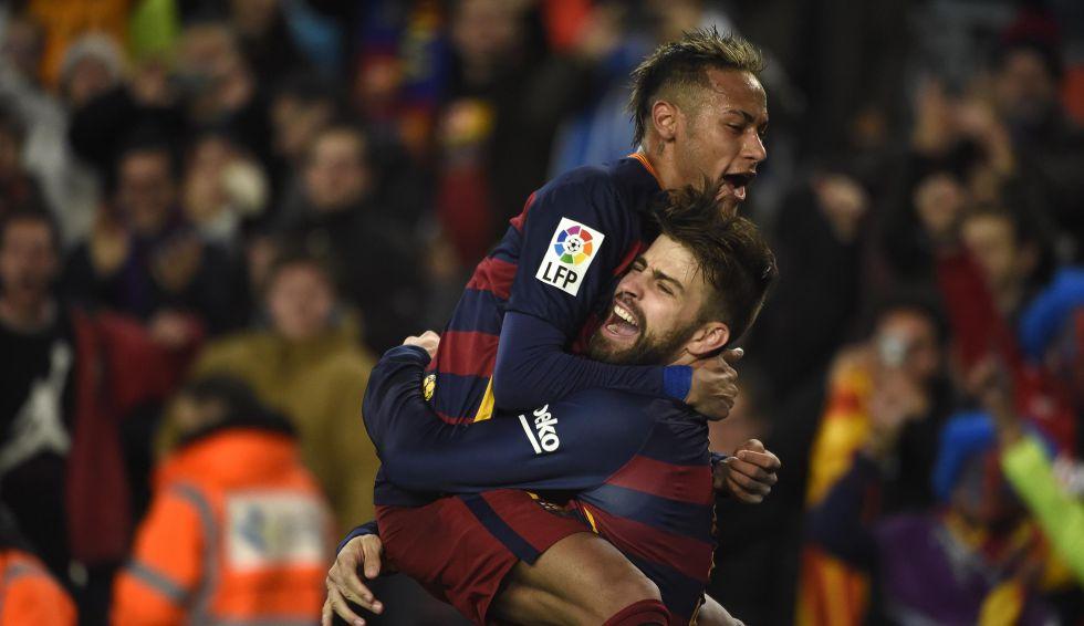 Neymar y Piqué celebran un gol contra el Athletic