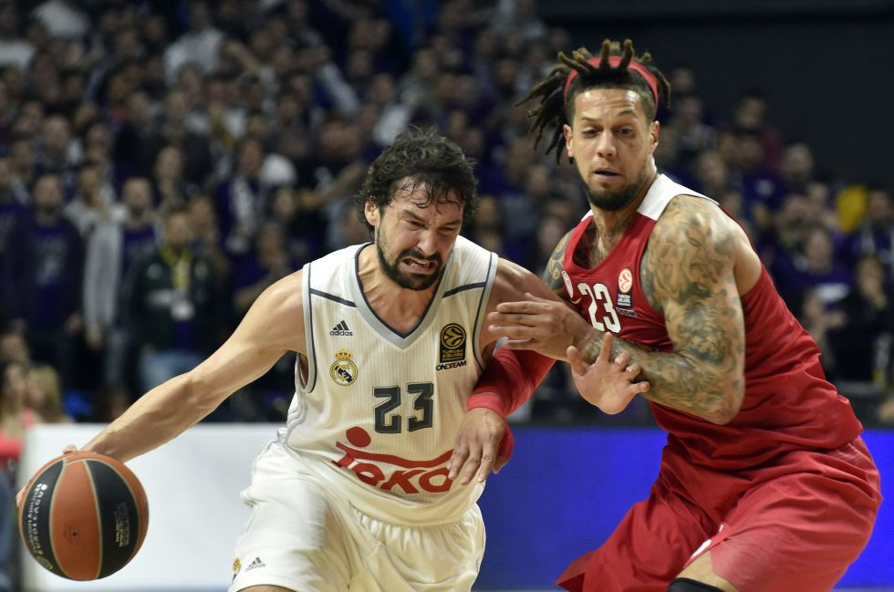Llull intenta irse de Hackett.