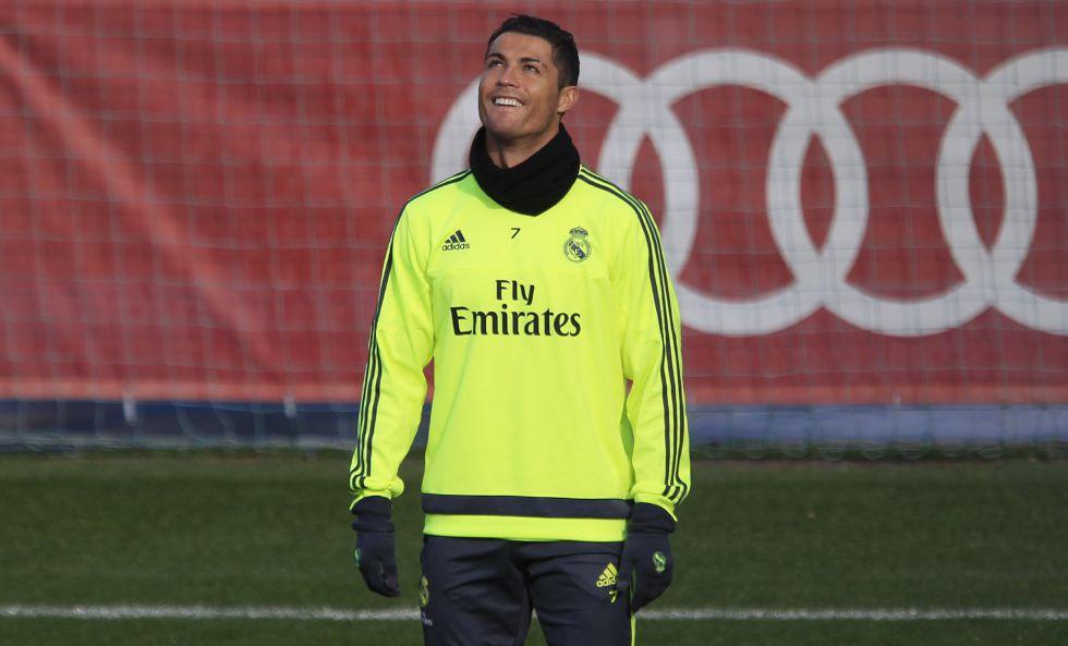 Cristiano Ronaldo en el entrenamiento de este sábado.
