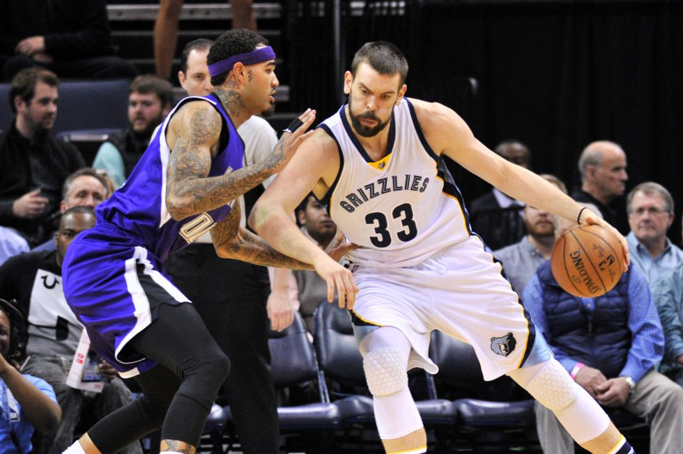 Marc Gasol y Cauley-Stein.