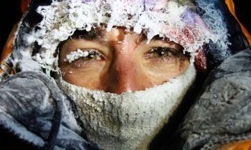 Retrato de Elisabeth Révol, por encima de los 7.000 metros, en el Nanga Parbat