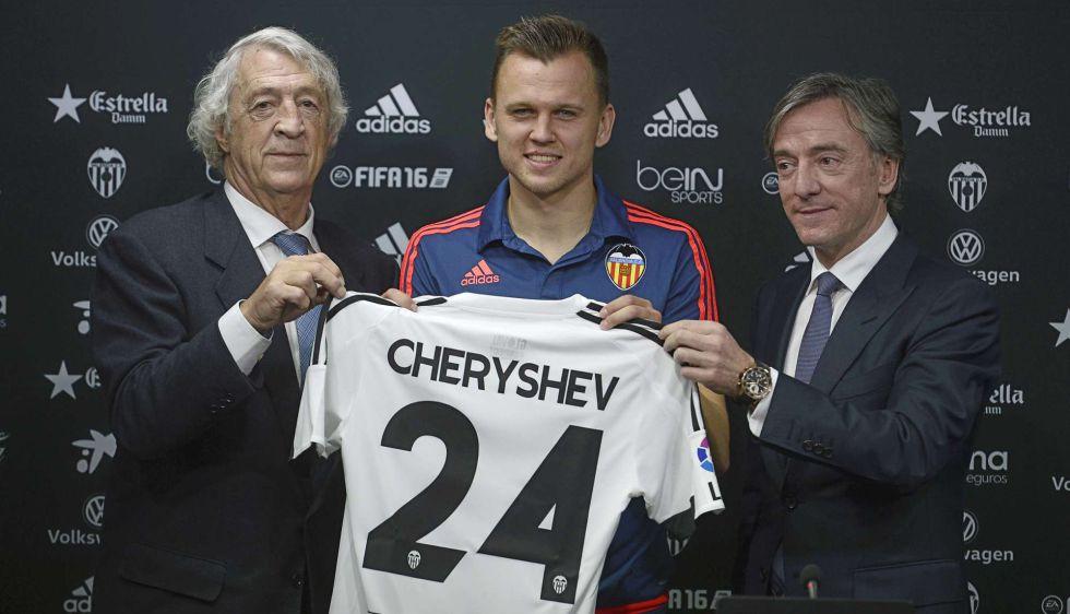 Cheryshev, durante su presentación con el Valencia.