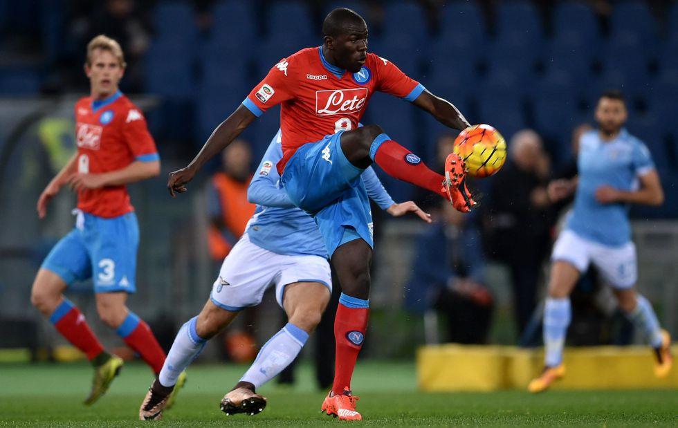 Kalidou Koulibaly durante el partido contra la Lazio.