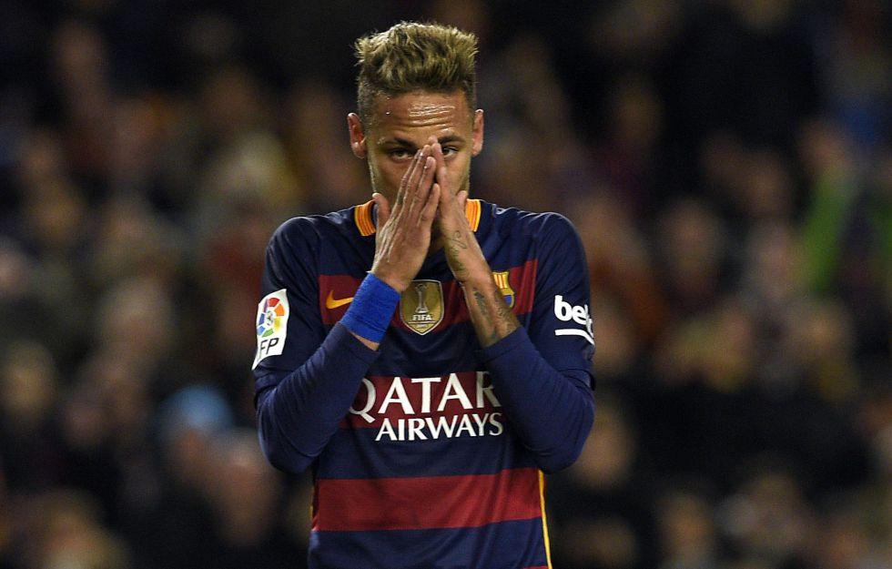 Neymar durante el juego contra el Valencia el pasado miércoles.