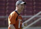 Peyton Manning en el entrenamiento de este viernes.