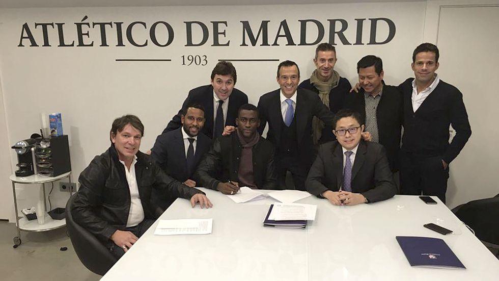 Firma de Jackson por el Guangzhou Evergrande.