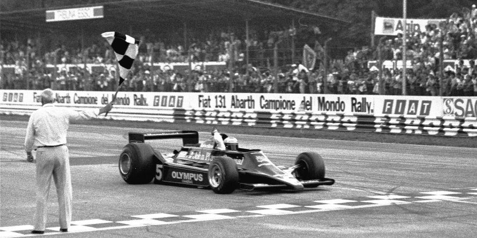 Mario Andretti se proclama campeón del mundo de F-1 en septiembre de 1978 en Monza (Italia).