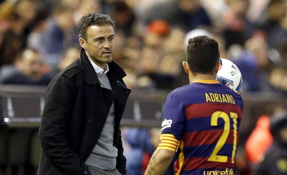 Luis Enrique y Adriano, en Mestalla.