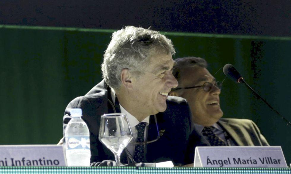Villar en el último congreso de la Conmebol.