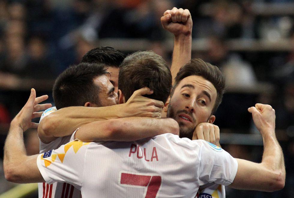 España celebra el título continental.