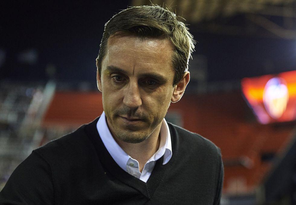 Neville, durante el partido.