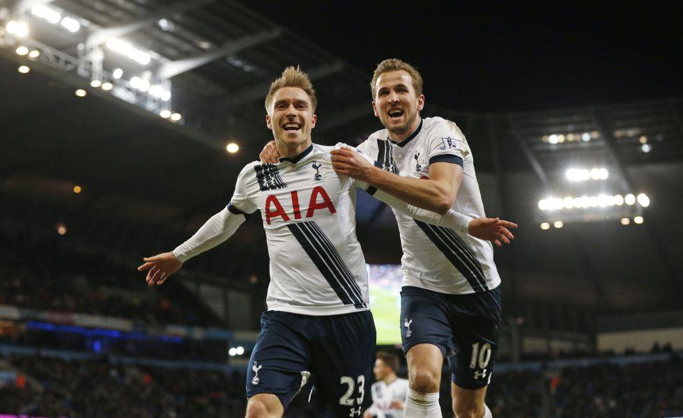 Eriksen y Kane celebran el gol del triunfo de los Spurs ante el City.