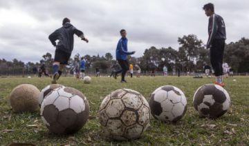 Alumnos de la escuela de fútbol en Argentina
