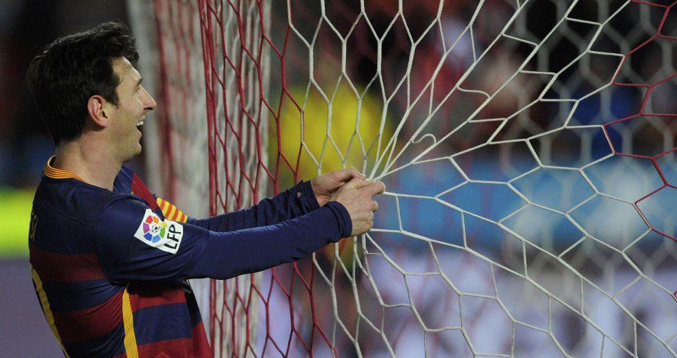 Messi, durante el partido ante el Sporting.