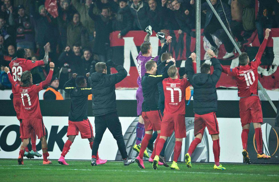 Los jugadores del Midtjylland celebran la victoria.