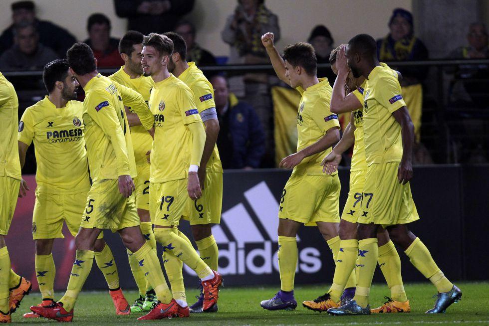 El Submarino Amarillo superó al Napoli en el primer partido.
