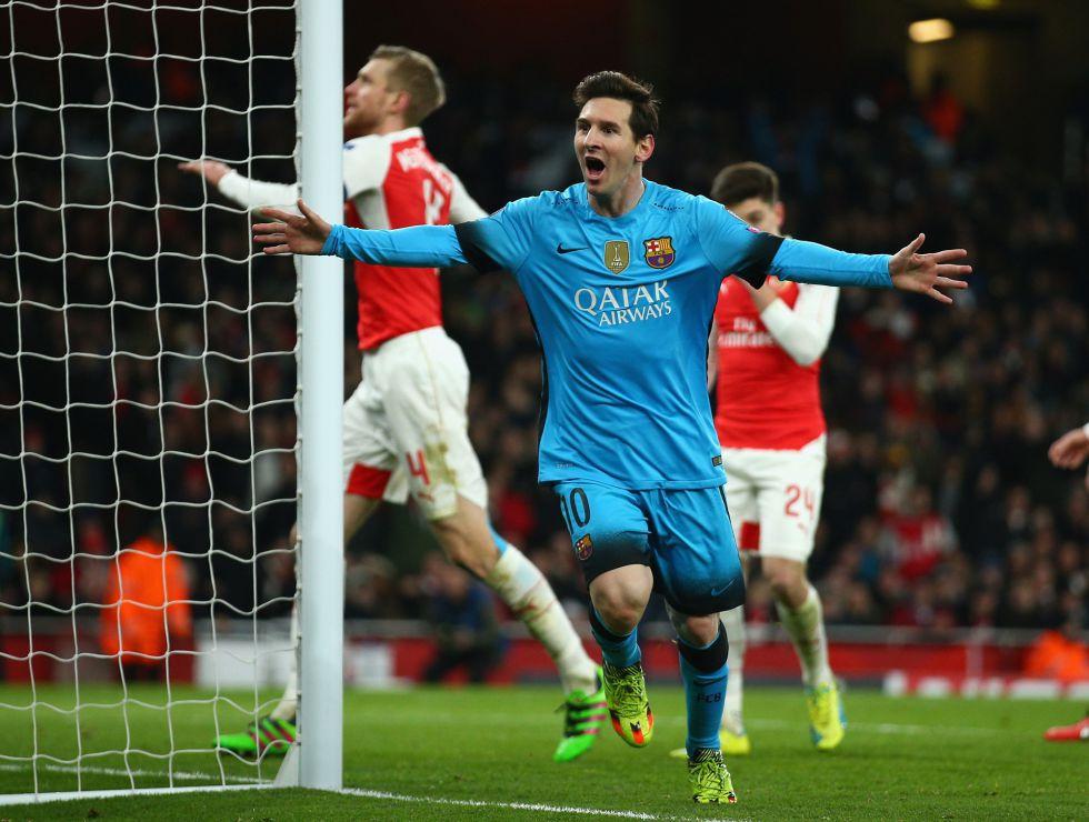 Leo celebra el primer gol del partido