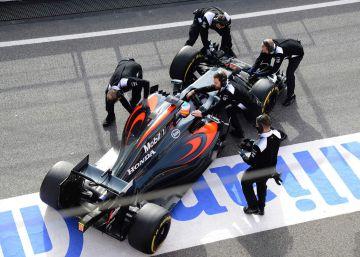 Fernando Alonso se estrena en Montmeló