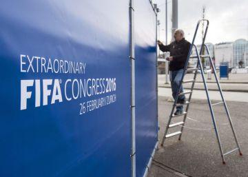 La FIFA elige entre un jeque o un gestor