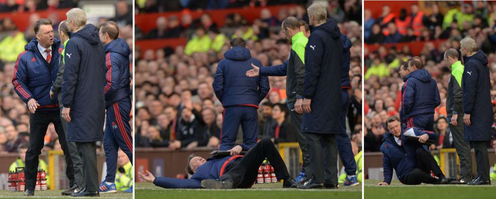Secuencia en la que Van Gaal se lanza al suelo para emular un penalti durante el United-Arsenal jugado en Old Trafford.