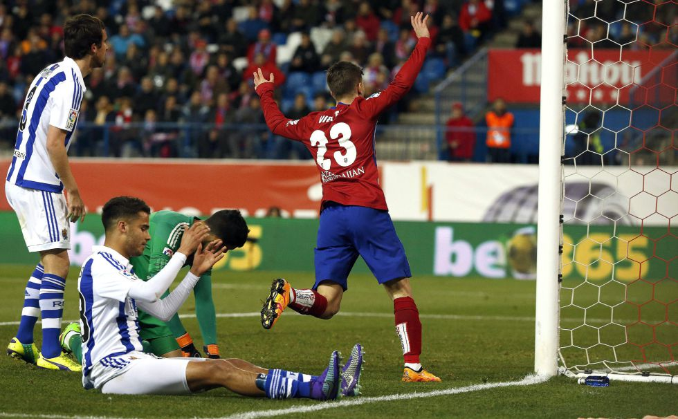 Diego Reyes se lamenta por la anotación en contra.