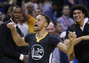 Curry fulmina a Durant e iguala otro récord de Michael Jordan