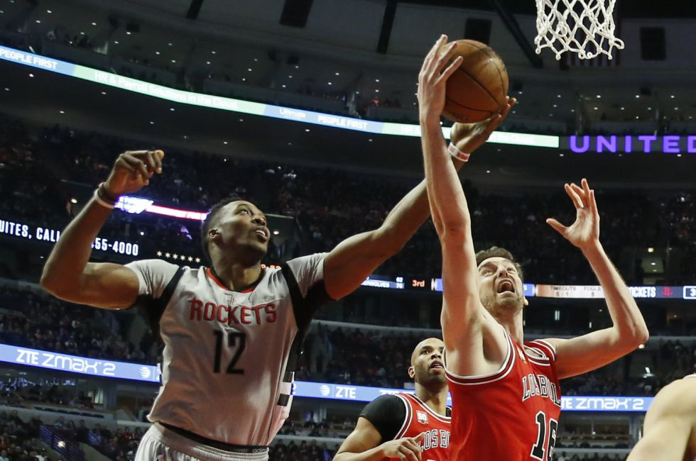Dwight Howard y Pau Gasol.