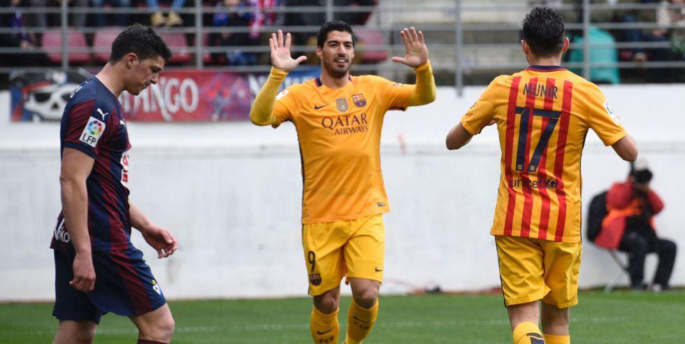 Suárez y Munir celebran el gol del Barça.