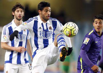 La Real Sociedad aparta a Carlos Vela