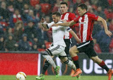 La lluvia encoge el fútbol en San Mamés entre Athletic y Valencia