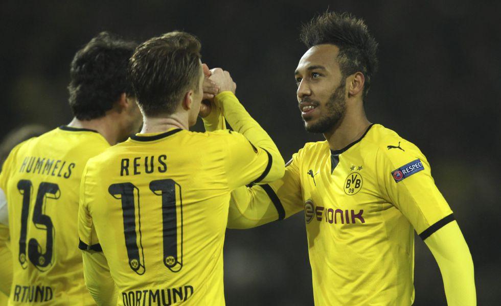 Reus y Aubameyang celebran el 3-0 al Tottenham.