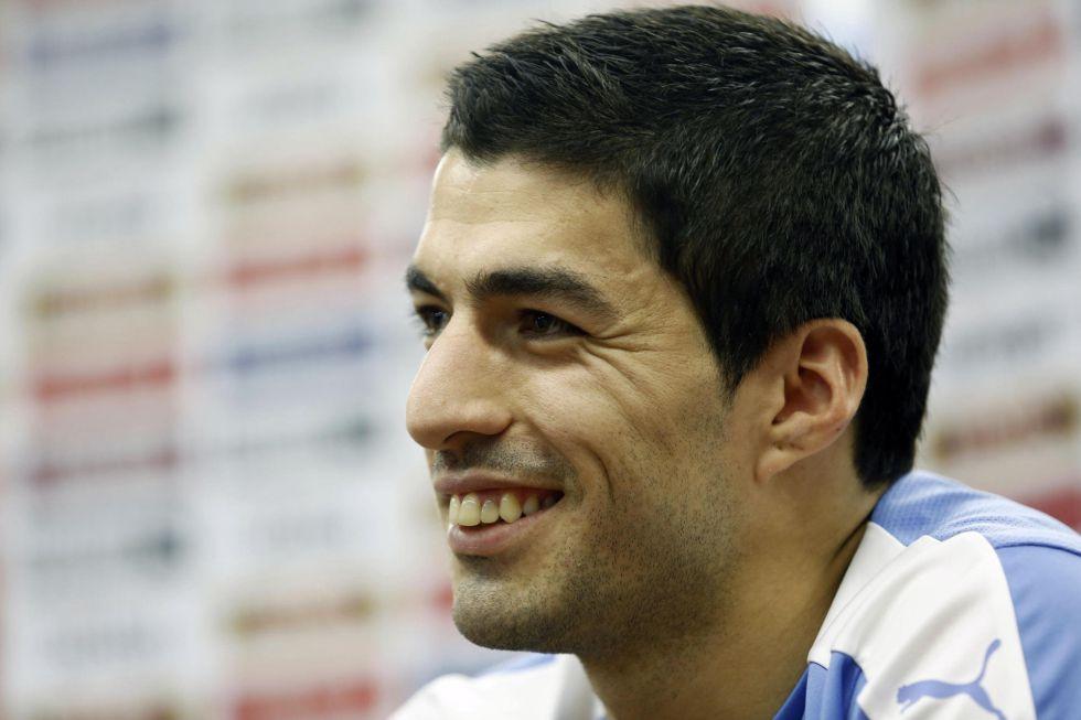 Luis Suárez, durante la conferencia de prensa ofrecida en Montevideo.
