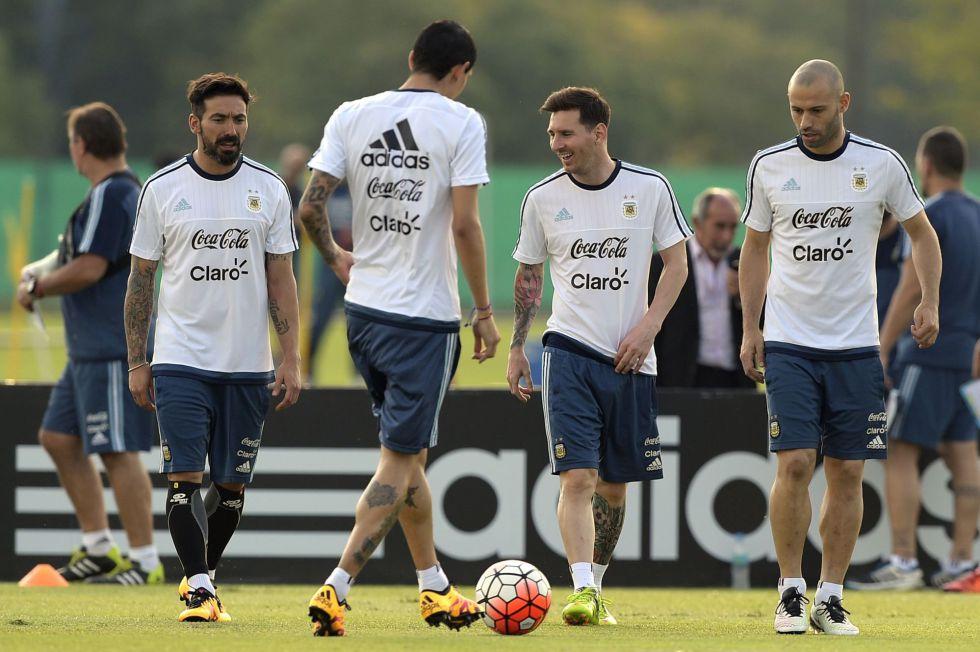 Lavezzi, Di Maria, Messi y Mascherano se entrenan con Argentina.