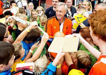 El día que Cruyff paró el reloj en el viejo estadio de Highbury