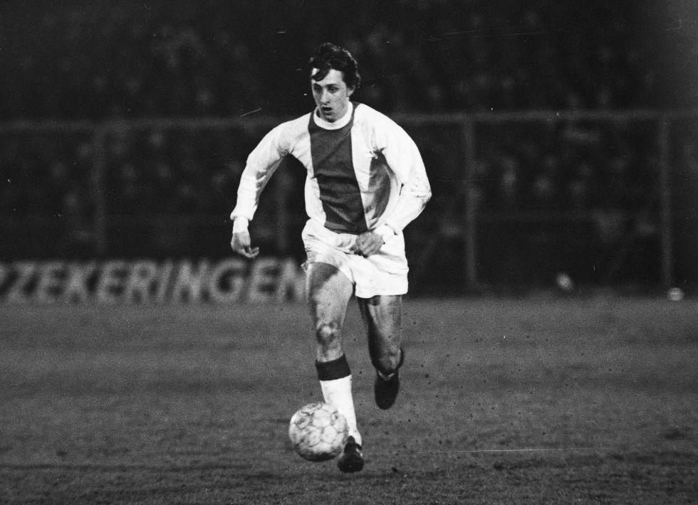 Johan Cruyff con la camiseta del Ajax en 1969.